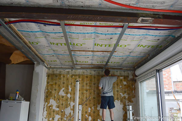 ceiling-frame-first-layer