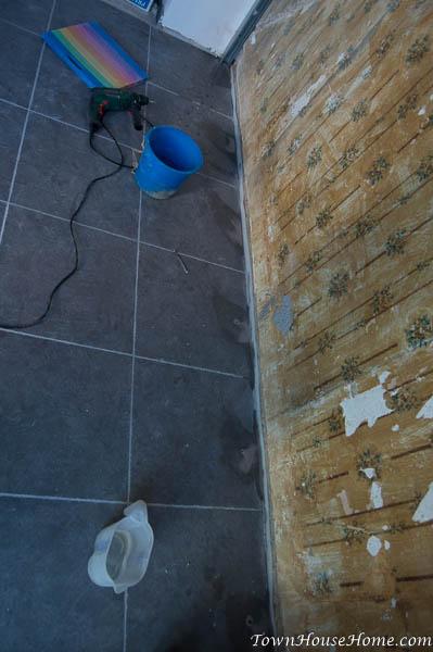 mud n tape holes in floor